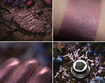 Eyeshadow: Сollecting of Heather  - Druidess. Smoky mauve satin eyeshadow by SIGIL inspired.
