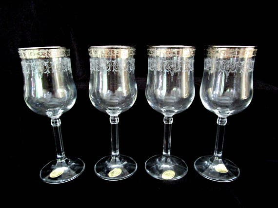 Set of 4 Wine Glasses, Medici Wine Glasses, 24kt Gold Trim, Etched. Made in Italy