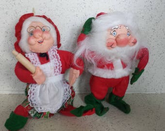 Pair of Rennco Mr and Mrs Santa Claus Dolls