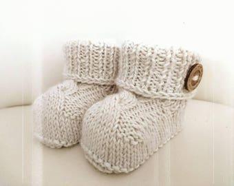 knit baby booties, newborn shoes, newborn booties, crib shoes for baby, baby shower gift, baby booties knit, baby boy booties,