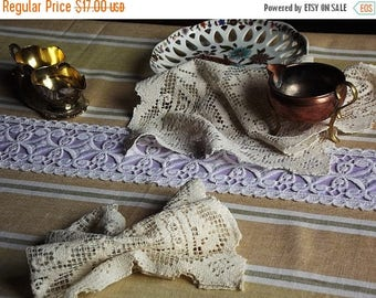 Summer sale Vintage linen tablecloth with lace,  Swedish vintage, 1960s