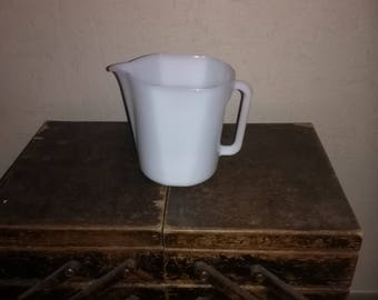 White opalescent pitcher - MOULINEX - Vintage 70's