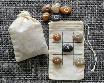Pebble tic tac toe game - Kids wedding activities - Wedding favors - Reception game favors - Guest gifts -