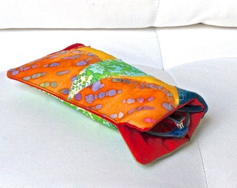 100 - Quilted, multicolored glasses case