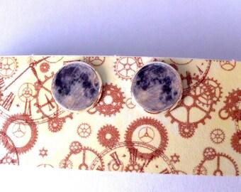 Moonstone cabochon Stud Earrings