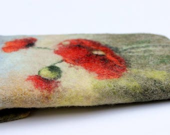 Floral Kindle Paperwhite Cover, felted Kindle Voyage case, blue green e-reader sleeve, red poppies wool gadget pouch,  unique gift for her