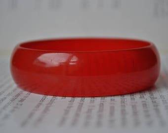 Vintage Red Bakelite Bangle, Translucent Red - 1950s Gorgeous Prystal Cherry Red Bakelite Bracelet