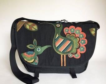 Reign Vermont Crazy Bird, Mini Messenger, Cross Body Bag