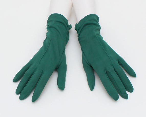 Vintage 1960s Green Nylon Gloves - Size 7