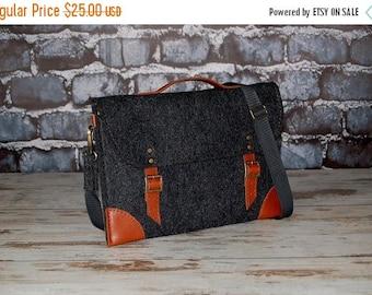 SALE Felt Macbook 11 inch sleeve, case, Laptop bag with pocket Macbook Air, Casual bag, Shoulder bag with leather straps