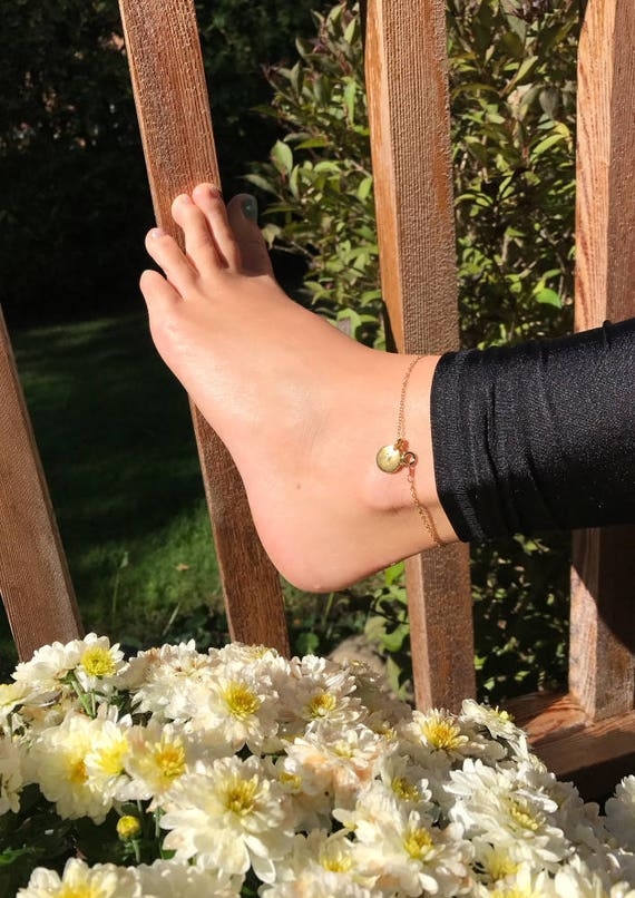 Chain Anklet in Gold Plated Link Chain with Gold Tierra Cast Initial Stamping Charm / Personalized Jewelry