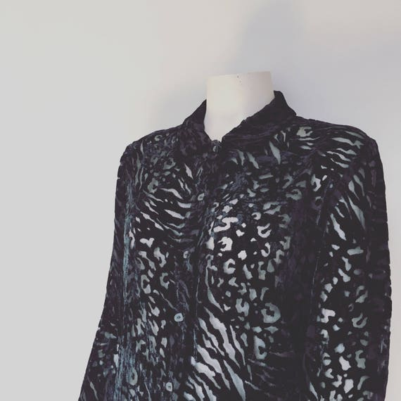 Black velvet blouse / 90s cut out velvet blouse / 90s grunge / christmas blouse / velvet black leopard print shirt / winter blouse / grunge