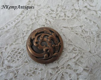Antique button 1910 for the collector