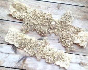 Ready to ship wedding garter. SIZE 12-13""