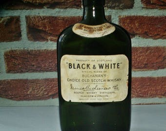 Antique Black and White Whisky/Buchanans Old Scotch Whiskey/Green glass bottle Whisky 1950s