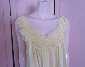 "1960s Pale Yellow Nylon Nightgown by ""Jill Andrea,"" Size Medium"