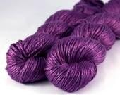 Gleam silk yarn 'Sash'