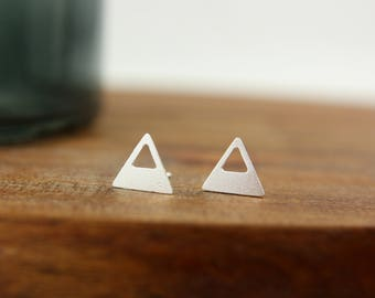 Silver triangle - silver plated ear studs (A66)
