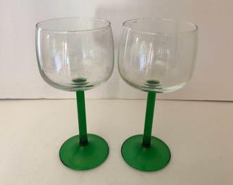 Vintage (2) Arcoroc France Wine Glasses set Green Stemmed