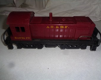 Diecast metal and plastic locomotive for your Marx or Allstate electric train 1950s USA made