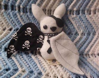 Medium Bat: Lost Tresure