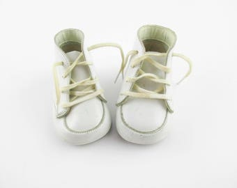 Soft, White Leather Baby Shoes - Size 0 - Stitched Seams - Wearable -  Baby Shoes Size 0 - White Soft-sole Leather Shoes - Size 0