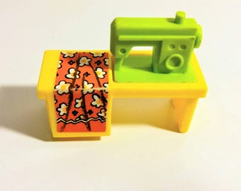 Vintage Fisher Price sewing machine Little People Play Family house furniture