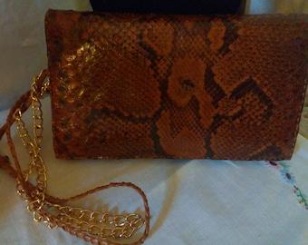 Vintage 1970s brown snakeskin shoulder handbag