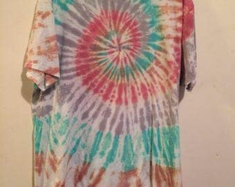 Men's 2X tie dye tee faded wine gray green and tan spiral, Hanes ComfortSoft