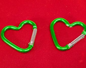 """5pc medium green """"heart carabiner"""" clip-ons (BC775 -medium green)"""