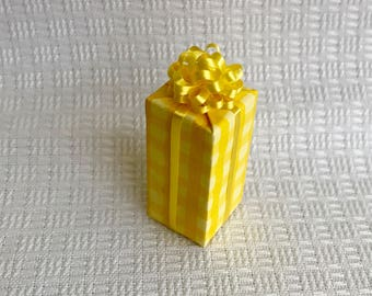Tall Buttercup Yellow Gift