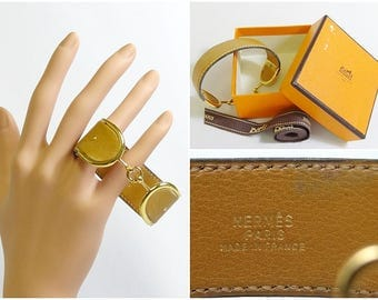 Authentic HERMES 1977 Vintage Deux Eperons Beige Leather Cuff Bracelet