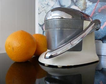 Vintage (1940's) Atomic Age Style 'Juice-O-Mat' Single Action Mechanical Juicer