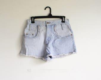 Light Wash High Waisted Denim Shorts / Frayed Hem / Size Medium