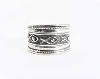 Wide Vintage Sterling Repeating Fish Band Ring Size 8