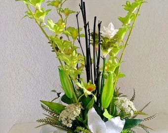 Green orchid, Casablanca lily, table centerpiece