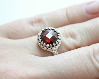 Sterling Silver Ring with Dark Red Gemstone Cubic Zirconia・Cocktail Ring