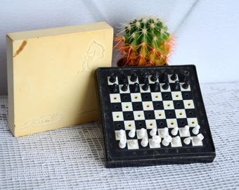 Traveling chess set, vintage board games, travel game set, miniature chess, pocket chess, Father's Day gift, gift for him men