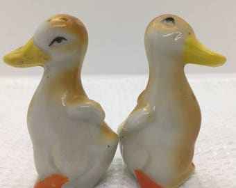 Vintage made in Japan Duck Salt Pepper Shaker