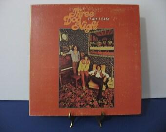 Three Dog Night - It Ain't Easy - Circa 1969
