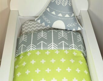 Bassinet quilt OR Bassinet and fitted sheet set - Lime green with white crosses AND grey with white arrows