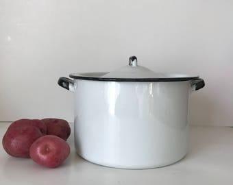 Enamelware Pot with Lid * White Enamelware * Vintage Enamelware Pot * White Enamelware with Black Trim * Graniteware * Vintage Cookware