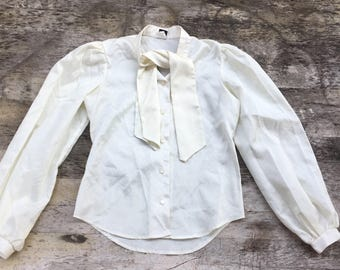XS/S 70s silky ascot blouse