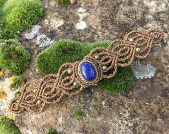 Macrame bracelet lapis lazuli with a bronze setting - color beige