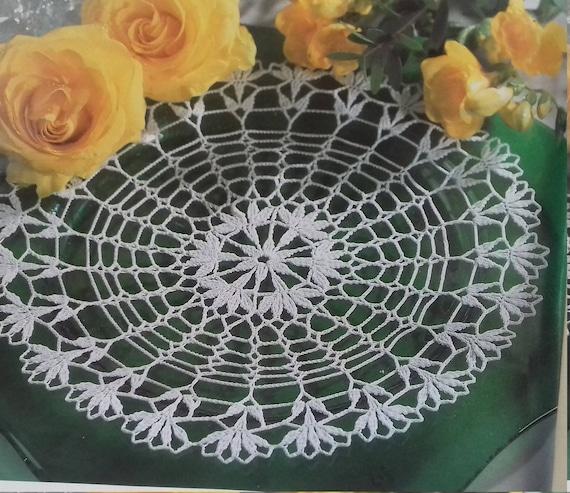 Hand crochet doily cotton lace home décor vintage crochet pattern 11 inch cozy house antique style
