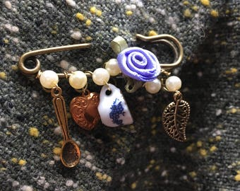 "Tea Garden Antique Gold Colour Kilt Pin Brooch with Lilac Silk Rose and Teacup Charm -2"" kiltpin"