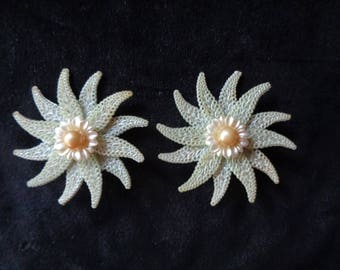 Vintage 1950's earrings plastic large beige grey clip on
