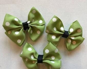 Green pinwheel hair bow, girls hair bow, clip on hair bow