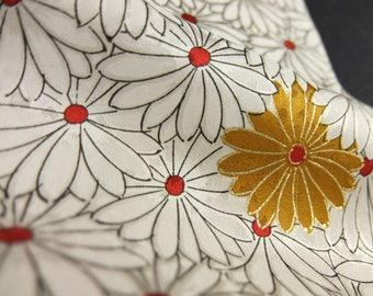 "2pcs(6.7""w. x 13.2""l.) kimono fabric, Japanese fabric, silk scraps,doll making, clutch, chrysanthemum 2766I"