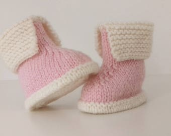 Slippers for baby birth in 12 pink and ecru woolen hand-knitted months